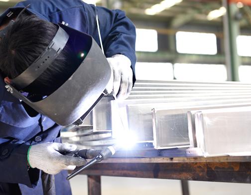 国昆铝单板厂家 · 赋予建筑装饰艺术魅力