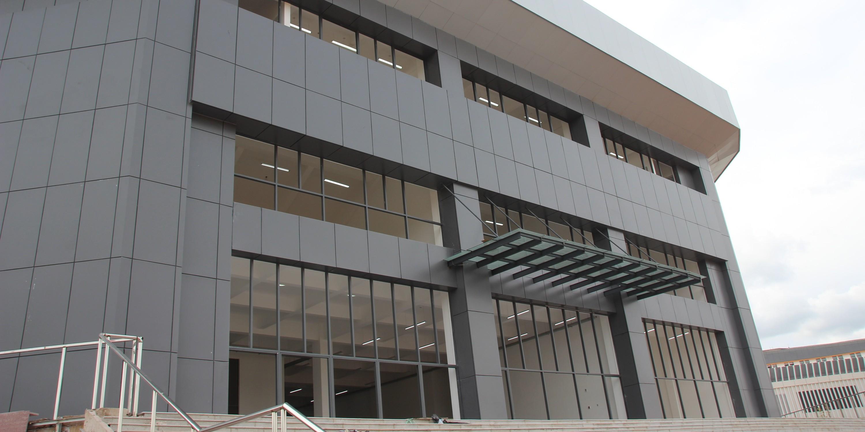 国昆铝单板丨云南楚雄民族中学铝单板装饰