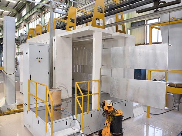 国昆铝单板:烘烤箱全自动喷粉房