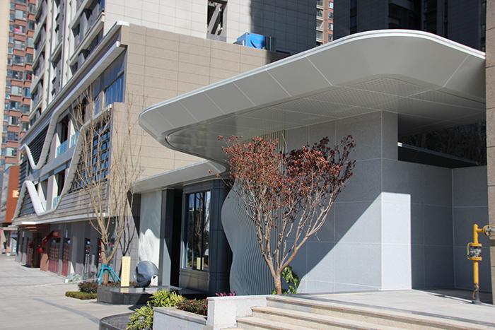 新希望集团昆明楼盘室外铝单板装饰工程项目
