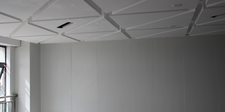 国昆铝单板丨昆明某办公室天花、墙壁铝单板装饰工程