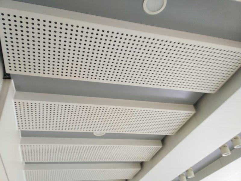 铝单板加工厂如何进行粉末喷涂处理